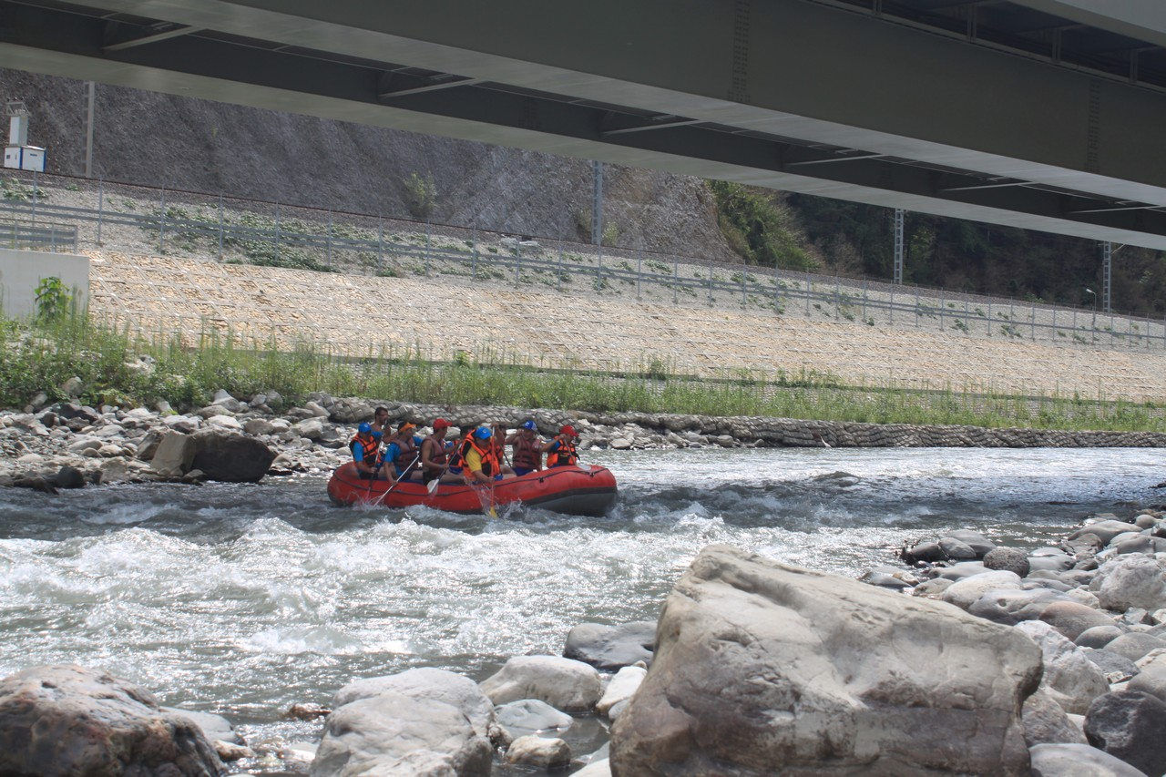 Рафтинг на горной реке
